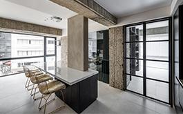 【軒宇室內設計 戴文軒】20坪水泥方盒裡 一處純粹無界的工作寓所